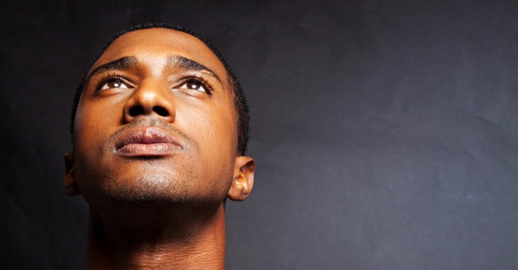 ¿Cómo podemos mantener la concentración cuando oramos?
