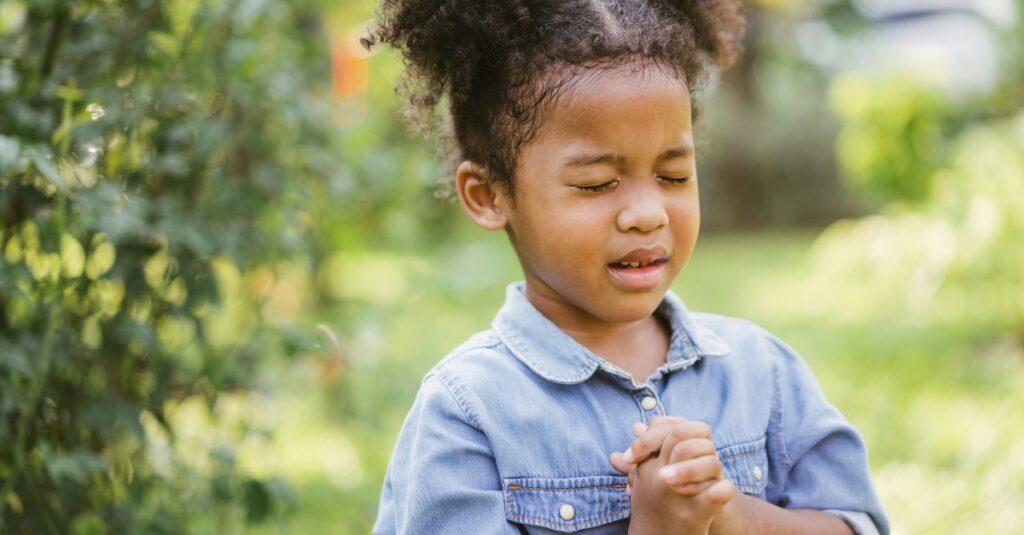 ¿Qué es el método de oración ACTS y cómo se ora?