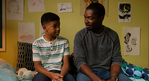 Lonnie Chavis como Gunner y David Oyelowo como su padre