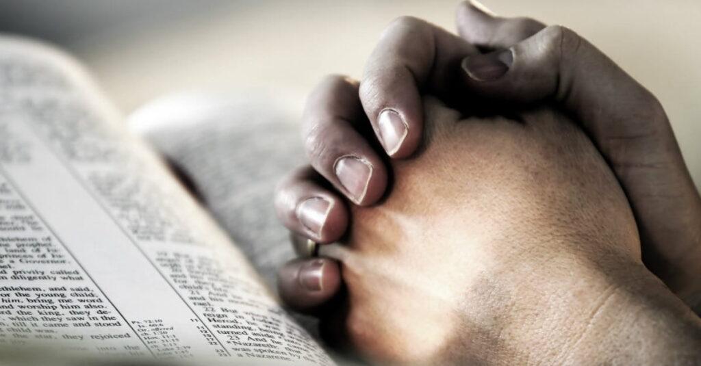 4 poderosas oraciones de perdón en la Biblia