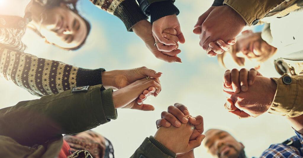6 razones por las que la oración corporativa es poderosa y esencial