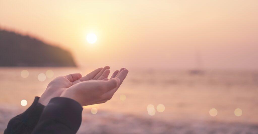 Significado de la oración de petición + 6 ejemplos poderosos